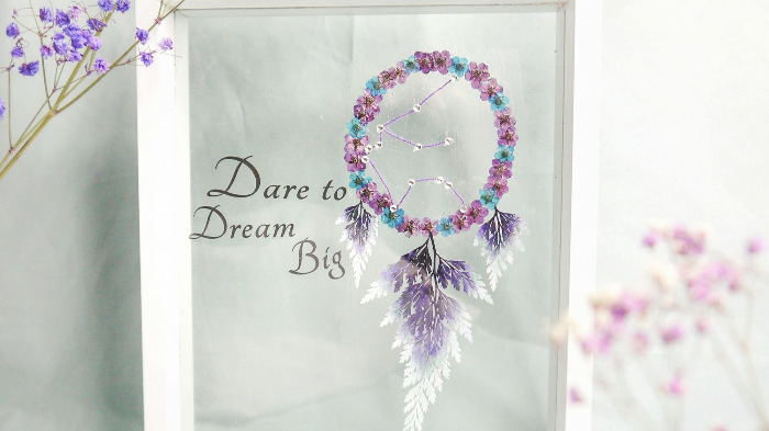 Fun Pressed Flower Dreamcatcher Picture Workshop