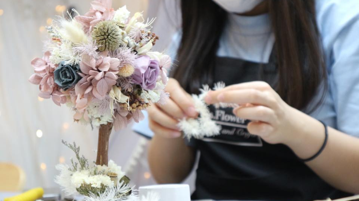 Gift a Flower in This Preserved Flower  Tree Workshop